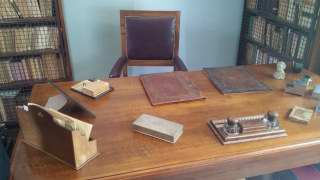La scrivania di Luigi Pirandello (Foto Carlo Rotondo)